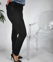 Czarne spodnie dresowe PLUS SIZE zwężana nogawka ze wstawką